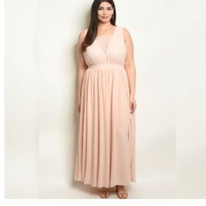 Dresses & Skirts - Pink Maxi Dress With Lace Front  size 1XL